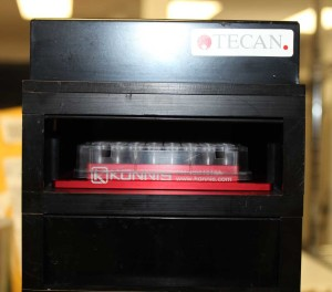 incubator with PCR microplate adapter